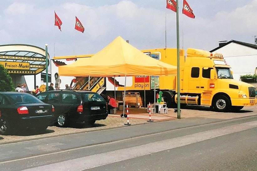 LEGO-Truck-Roadshow-2004-Gongoll-Dormagen