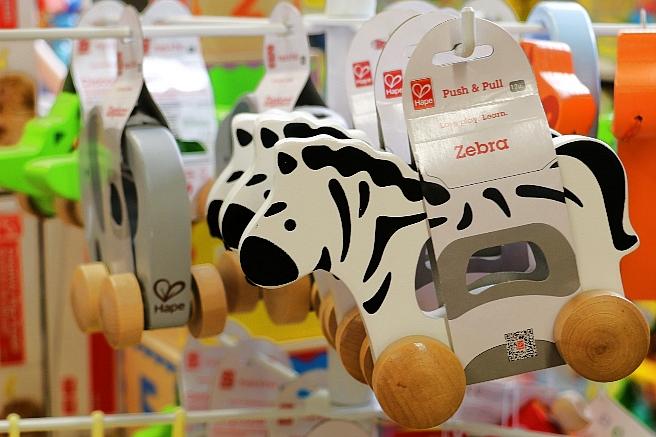 Kleinkinder-Spielzeug-Holz-Hape-Gongoll-2015