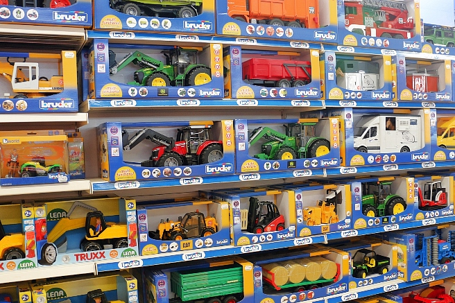 Spielwaren-Jungen-Bruder-Lena-Baufahrzeuge-Traktoren-Angebote-Gongoll-Dormagen