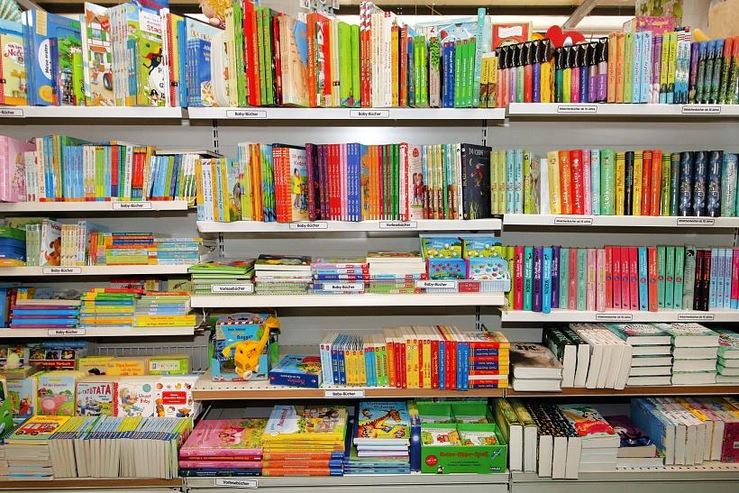 Kinderb-cher-kaufen-Auswahl-Buch-Gesch-ft-Ravenburger-Gongoll-Neuss-Dormagen
