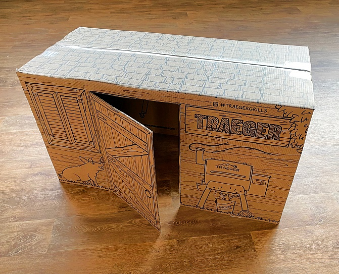 Traeger-Ironwood-885-Aufbau-Karton-Spielhaus
