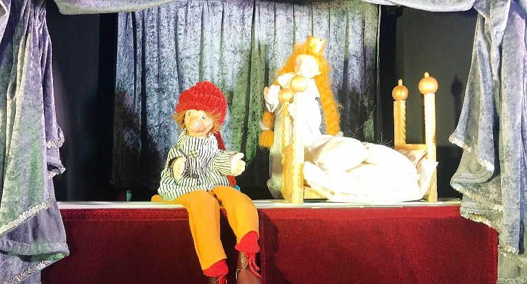 Kasperle-Theater-2018-Gongoll-Violetta-Ostergeschenk-Prinzessin