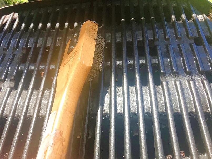 Grill-Reinigung-Grillrost-B-rste-Tipp-Weber-q
