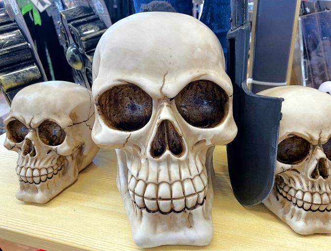 Halloween-Dekorationen-Skelette-K-pfe