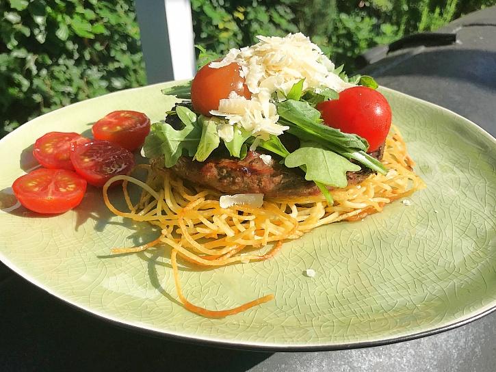 Spaghetti-Burger-Grill-Rezept-Lecker