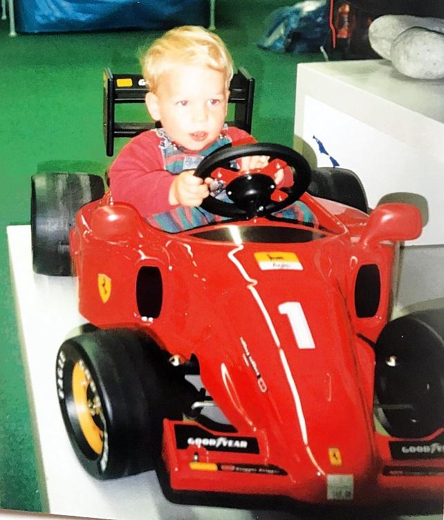 Gongoll-55-Jan-Rennfahrer-Ferrari